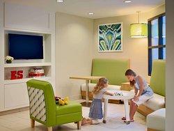 Lobby - Kids Corner