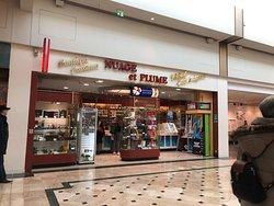 À Serris, «Nuage et Plume», le tabac du Centre Commercial Val d'Europe