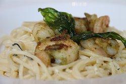 Prawn spaghetti served in creamy sauce