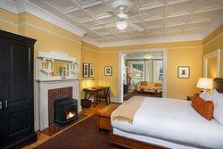 Historic King Deluxe Bedroom