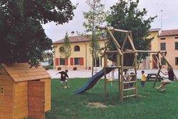 i bambini avranno un giardino a loro disposizione con giochi di ogni genere