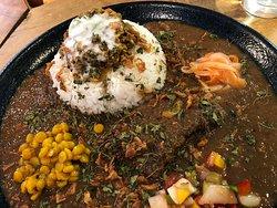 あい盛りチキンカレー(鳥出汁チキンキーマ~ヨーグルトソース添え~)