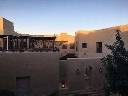 施設内。昔の閑静なアラビアの住まいかな。