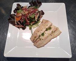 Filetto di halibut 'sous vide' & insalata di mare.