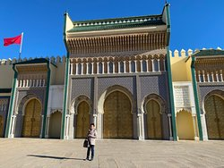 Three hours tour by car around Fes.