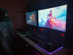 High end gaming i9 9900k arena equiped with RTX2080super graphics, using ASUS ROG STRIX 32inches 2K Curved monitors, and the latest RAZER peripherals. Crowning all is the special edition Secretlab Omega Stealth 2020series gaming chair