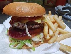 Gluten Free Hamburger with Gluten Free Chips