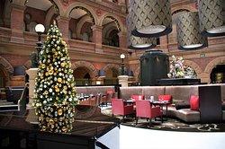 Το ατμοσφαιρικό Cafe στο ισόγειο του Hotel Intercontinental Sydney