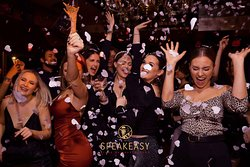 Le Speakeasy Restaurant Piano Club Paris • Best Live Music & DJ's • Party all Night Long • #lespeakeasy @lespeakeasy