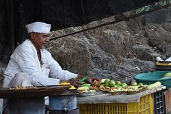 Delicacies on the way to history  These food stalls give you a taste of Maharashtra as you climb up the way to history