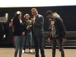 Pathé Aéroville le 26/01/2020 : Dany Boon a proposé à la petite amie du jeune homme de se joindre à eux