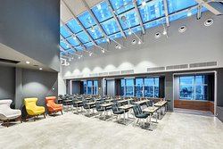 Panoramic conference space on the 20th floor