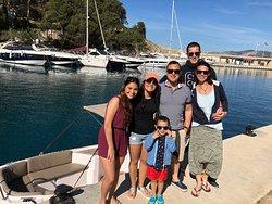 Una familia estupenda con nuestra SILVER YACHT 495, NO es necesario LICENCIA !