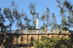 Santuário de Nossa Senhora Mãe dos Pobres, nele se encontra a estátua de Nossa Senhora dos Pobres vinda da Itália, com um mirante no qual se pode apreciar as estonteantes belezas naturais da cidade.