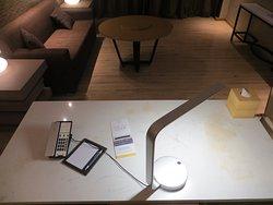 Письменный стол (Courtyard King Suite)