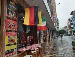 Pizzeria Olvidame Si Puedes /Platos alemanes