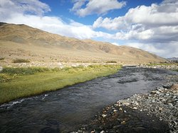 River beside the road to Khovd