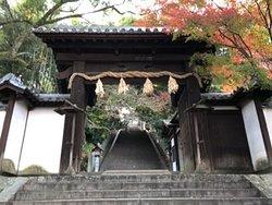 松山城への通り道
