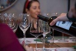 Vnesht Wine Bar