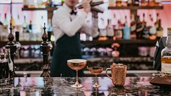 Discover Augustine's reinvented Refectory Bar menu and its newly designed cocktails.Delight your senses and savor their delicate taste enriched by fresh ingredients.