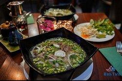 CANDLE 🕯 NIGHT DINNER Habt ihr schon euer Valentinstags-Date gefragt, ob er bei Anh Tien speisen möchte? Unsere schönes Restaurant gibt ausreichend Platz für gemütliche Zweisamkeit. Das Essen schmeckt hervorragend und ist eine gute Abwechslung . Überrasche dein Herzblatt mit einer leckeren und gesunden Pho-Suppe! 🇻🇳