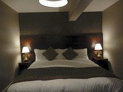 แม้ห้องพักที่พวกเราเข้าพักจะไม่ใหญ่โตแต่เครื่องนอนคุณภาพดีและสะอาดมาก