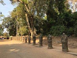 Preah Khan - walking towards the main temple