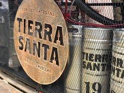 tierra santa es una cervecería local y restaurante en la ciudad de bogota