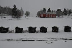 Litt av friluftsmuseet med boder som blir brukt bl.a. til julemarked m.m.