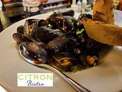 Prince Edward Island Mussels, White Wine, Garlic & Scallions