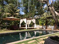 Den lilla poolen på hotellet