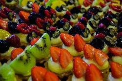 Dolci per ogni occasione .... Secco o morbido  Caldo o freddo  Frutta o cioccolato  Classico o personalizzato  #pasticceriamilady