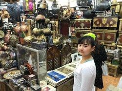 アラブの雑貨がたくさん。日本で買うと高いから、持ち帰るの面倒だけどあれこれ買ってしまいます。