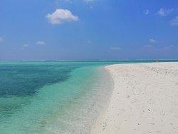 la spiaggia.. il mare ...i colori delle Maldive