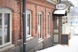 Toivola shop front in the winter