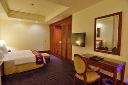 Deluxe Room Kingsize Bed 108