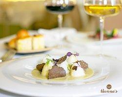 Gnocchi di seppia, finocchio e tartufo nero.  Cuttlefish dumplings, fenneland black truffle.