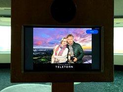Интерактивные развлечения - фото на выбранном фоне
