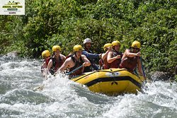 We are the ADVENTURE OF YOUR VACATION. Join us Everyday WORLD-CLASS Rafting tour. Needs to be SCARY to be FUN and needs to be SAFE to be GREAT. Arenal Rafting Company. 🇨🇷 Here is the best ADVENTURE in Costa Rica, every one of our clients had a great time. 😎 For more information or to be part of this amazing adventure contact us at Info@arenalrafting.com or visit our website www.arenalrafting.com 🤙💦 Looking forward to give you the best adventure experience. #arenalrafting #costarica