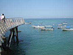 El mirador puedes ver la playa, la zona hotelera y rentar una panga