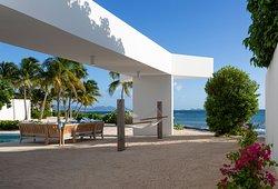 Skywalk From Below (Antilles-Pearl)