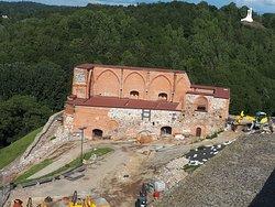 A felső vár romja (felújítása megkezdődött)