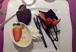Farandoles de 3 desserts  brownies timbale de fraises au mascarpone et pana cota St Valentin 2020