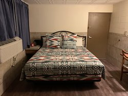 King size comfortable bed with nice linen