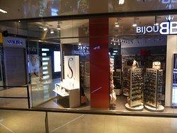 Shops inside Las Arenas 1