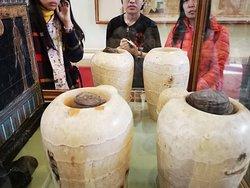 canopy jars to keep internal organn of mummy