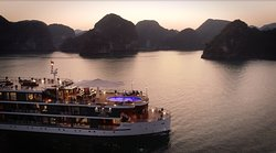Overnight top notch luxury Cruises in Halong Bay