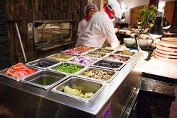 En Las Cuatro Estaciones encontraras más de 15 ingredientes a elegir para que en nuestro horno preparemos al momento tu pizza