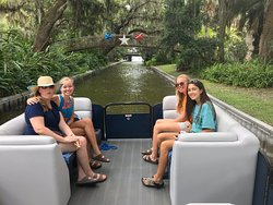 Exploring the Chain of Lakes with our wonderful families aboard The LEGO Land Hotel Pontoon Boat Cruises 😎