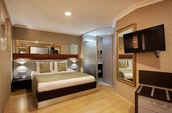 French Bed Suites have an open floor plan where the bedroom, living room and kitchen come together to form a studio.  These spacious, comfortable and well-equipped suites are preferred by both long-term and short-term guests.